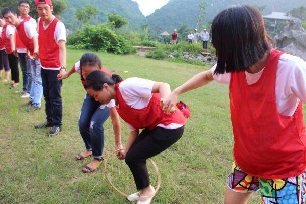 team building chuyền vòng