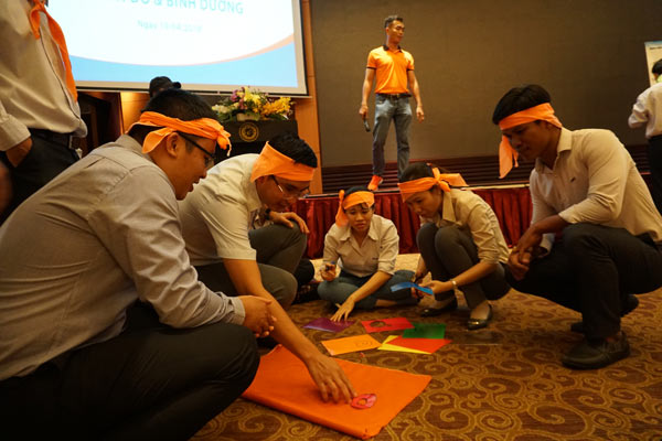 team-building-indoor---Duy-Tan-plastic---Saigonteambuilding