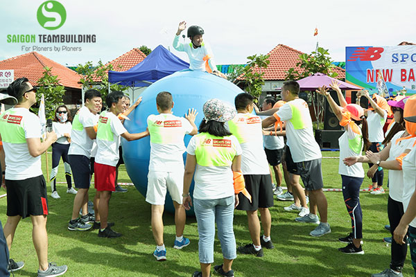 xay-dung-doi-ngu-thong-qua-team-building
